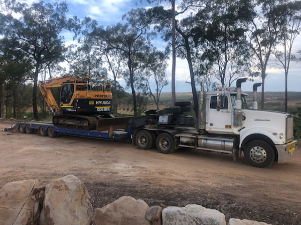 Equipped-Civil-and-Earthmoving-Truck-Float-Excavator-Brisbane