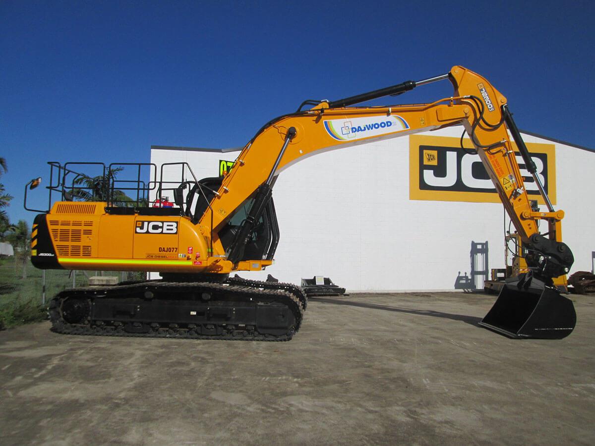 JCB JS300LC EXCAVATOR FOR HIRE