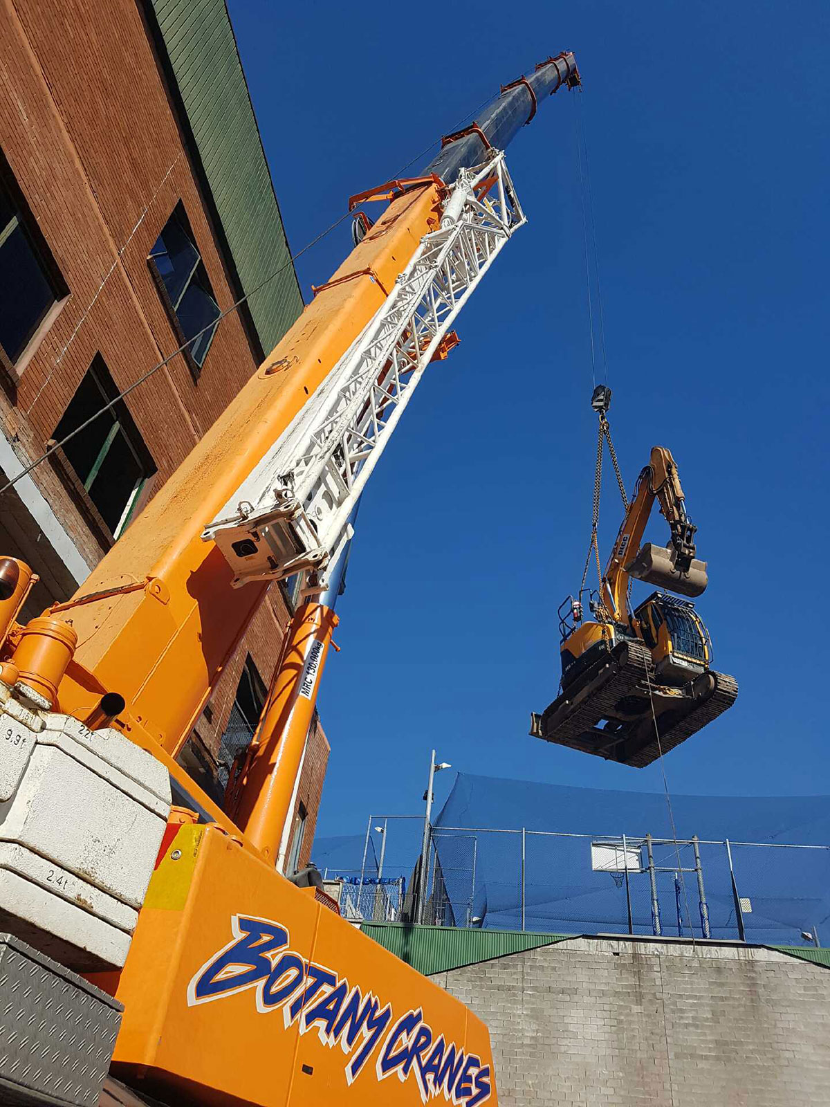 Botany Cranes Excavator Lift