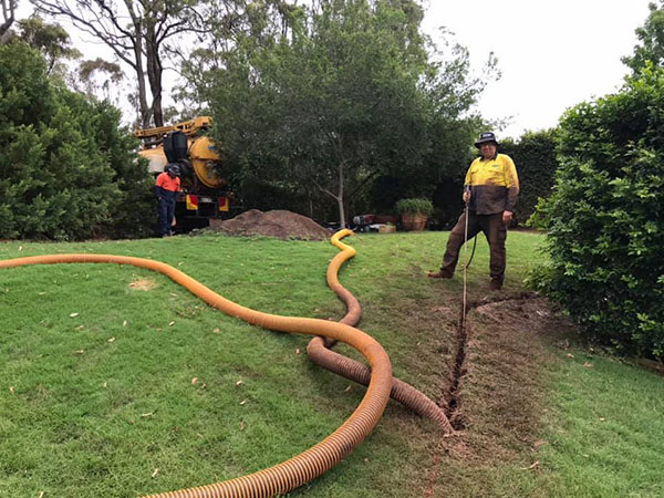 Ezali Hydro Excavations & Communications non-destructive digging utility installation in Toowoomba