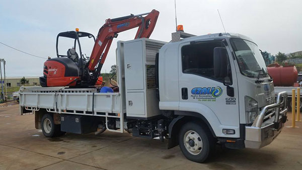 Ezali Hydro Excavations & Communications mini-excavator for hire and tipper truck for hire in Toowoomba