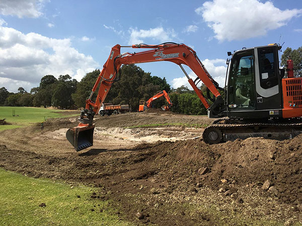 golf-course-construction-excavator-hire
