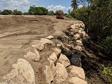 Rock-Wall-&-Sand-stone-Picture