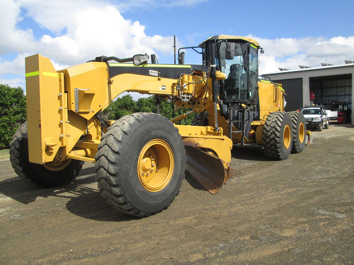 CATERPILLAR 14M GRADER FOR HIRE