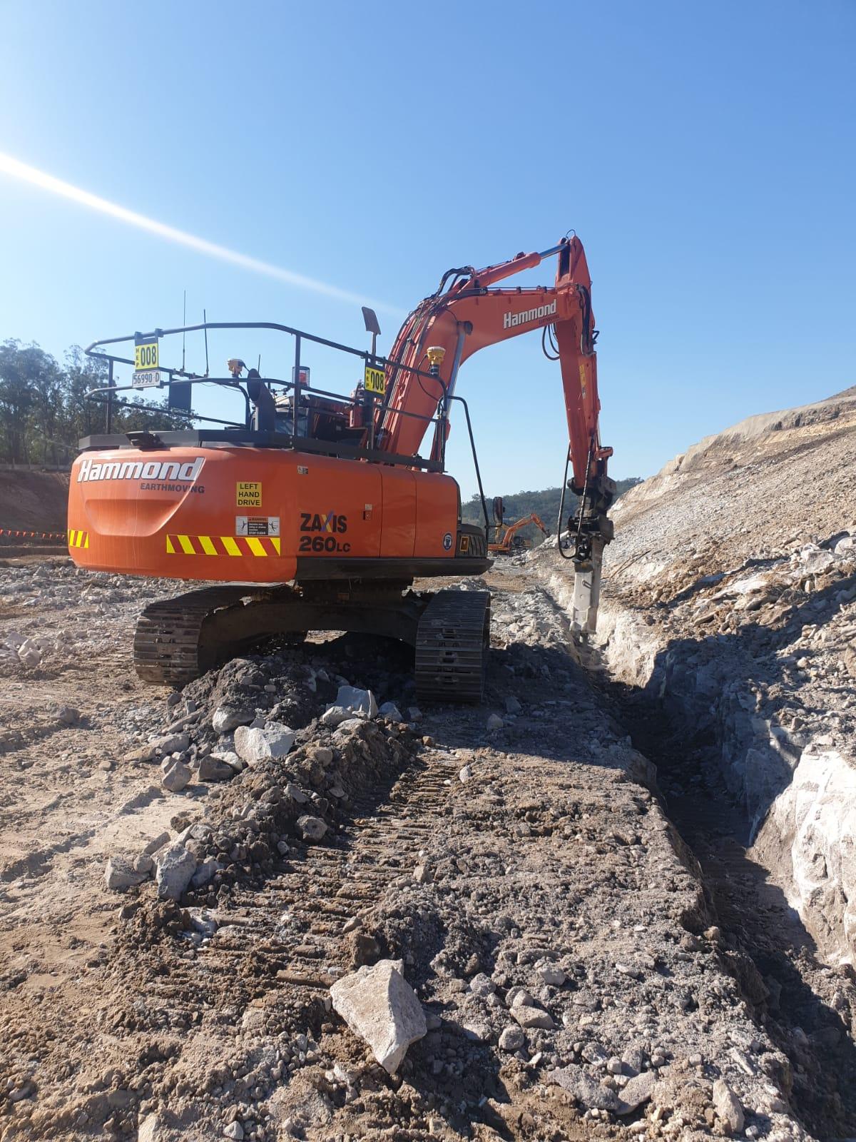hammond-earthmoving-excavator-for-hire-in-brisbane