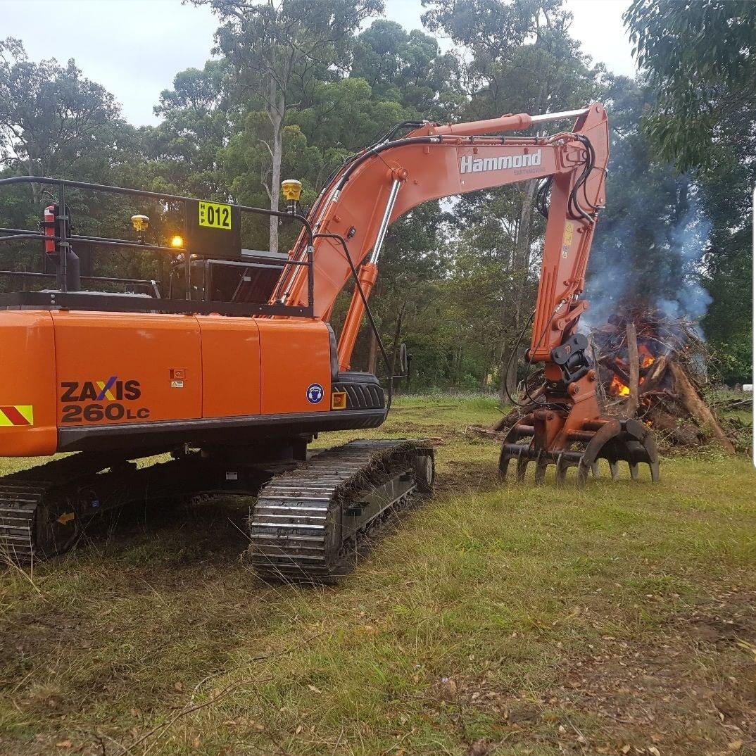 hammond-earthmoving-hitachi-excavator-rentals-brisbane