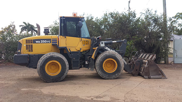 hawe-earthmoving-Komatsu WA250PZ-6 – 2008 Wheeled Loader for hire Bundaberg