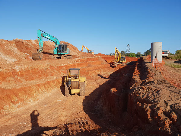 hawe-earthmoving-projects-Deep-Excavation-for-sewer-main-at-Habitiat-bundaberg
