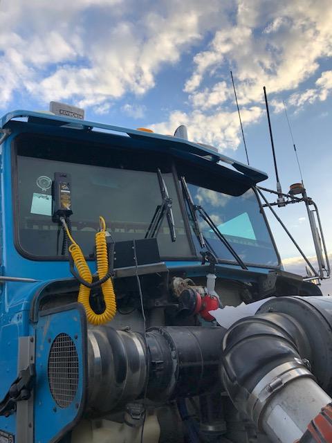 Blue truck windscreen repalcement