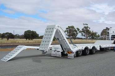 Hume Hire machinery float trailer hire lavington