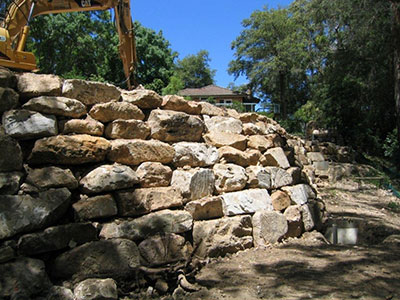jett-earthmoving-rock-retaining-wall