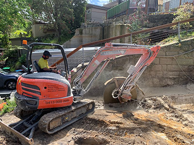 jett-earthmoving-equipment-rock-saw-attatchment