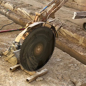 Rock saw attachment