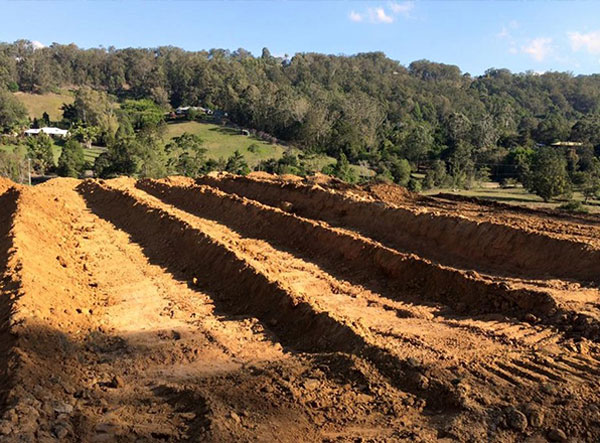kellys-earthworks-dozer-for-hire-caboolture