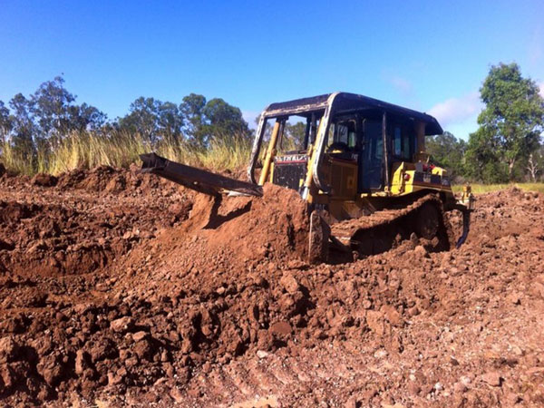 kellys-earthworks-dozer-hire-queensland