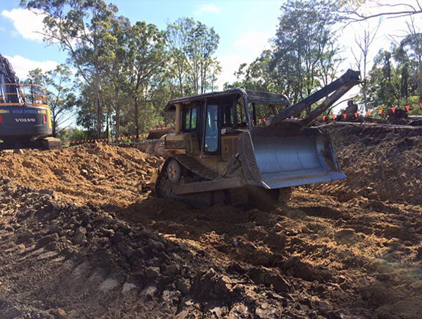 kellys-earthworks-dozer-hire-tweed-heads