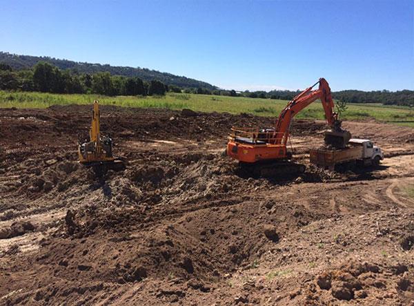 kellys-earthworks-dry-excavator-hire-brisbane