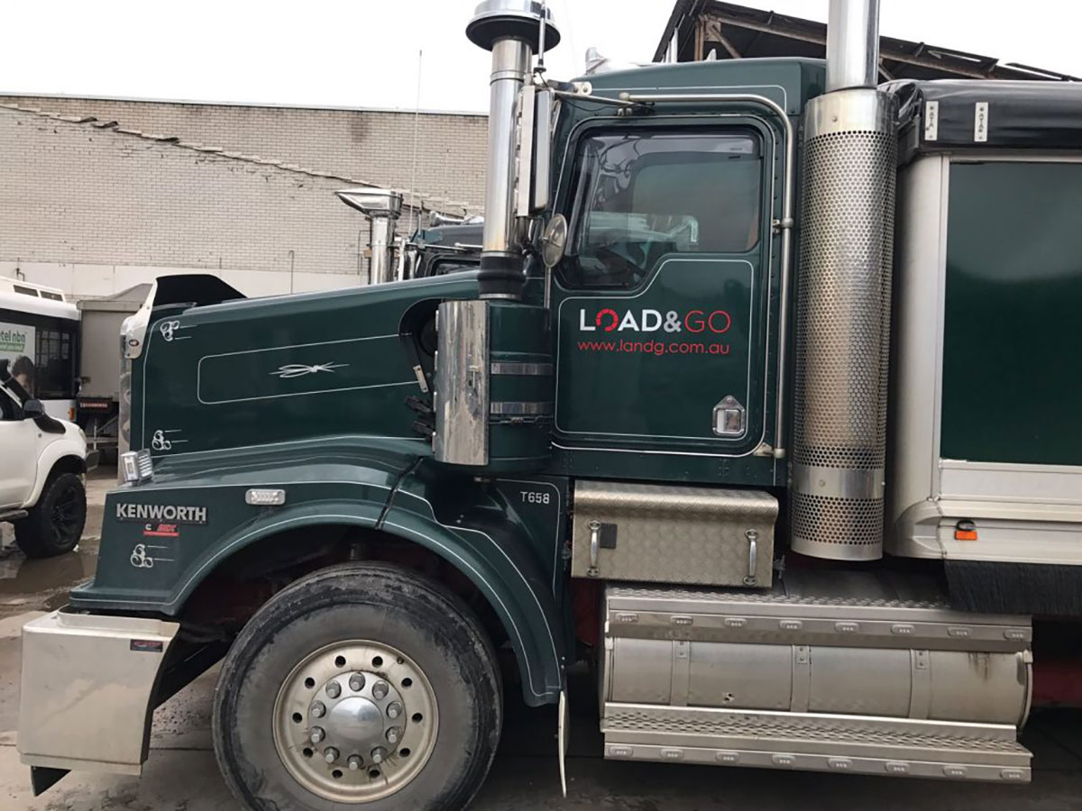 kenworth Load and Go road truck