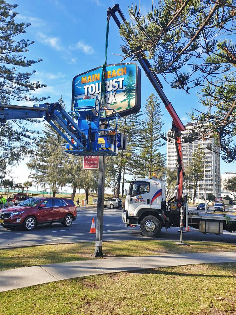 goldcoastcranehire-lizzie-crane-hire Sunshine Coast