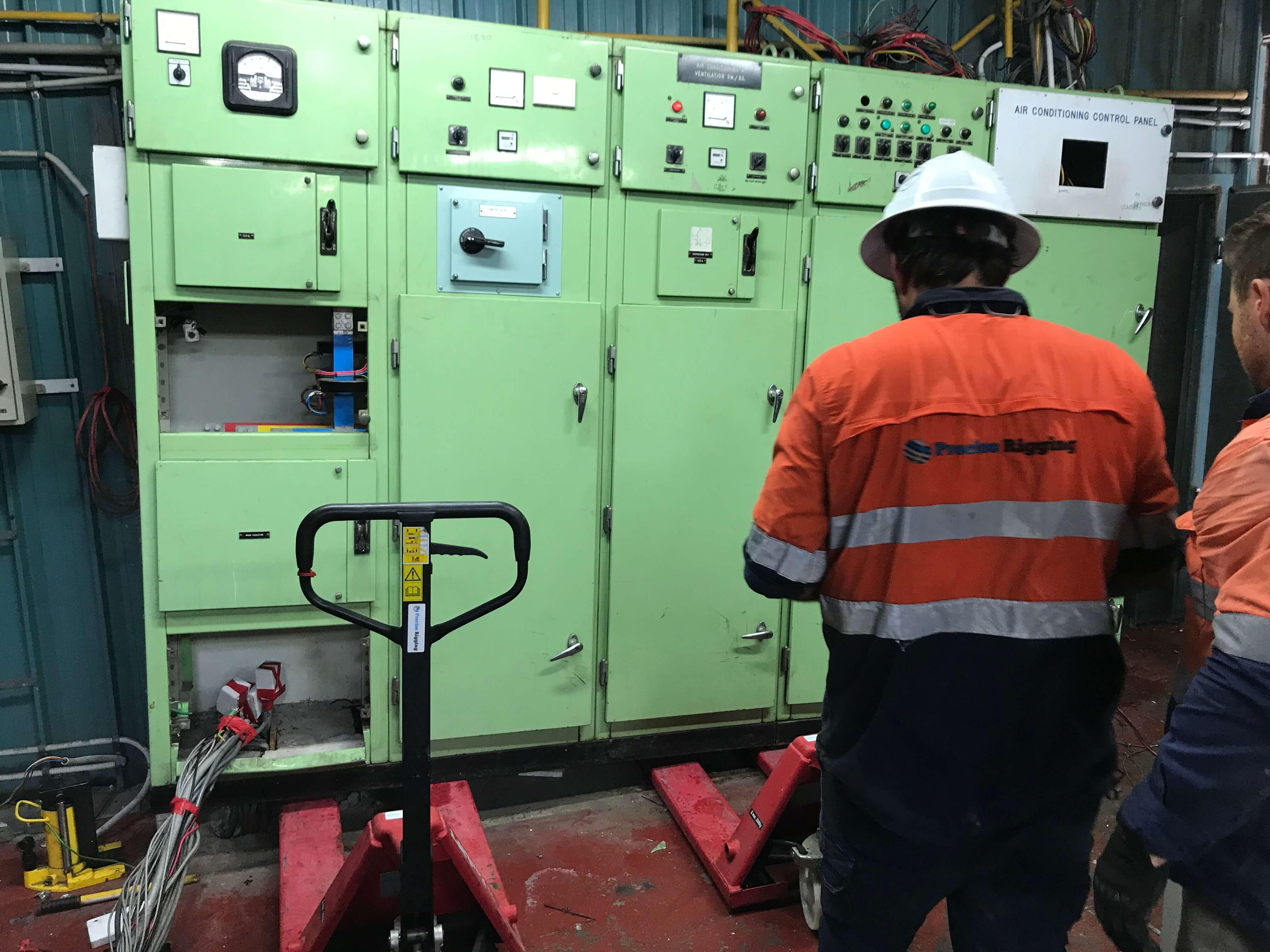 precise-rigging-machine-tools-crane