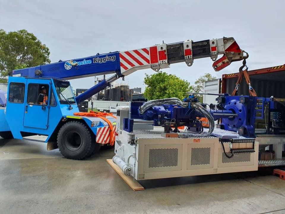 Franna Mac 25 installing large machinery