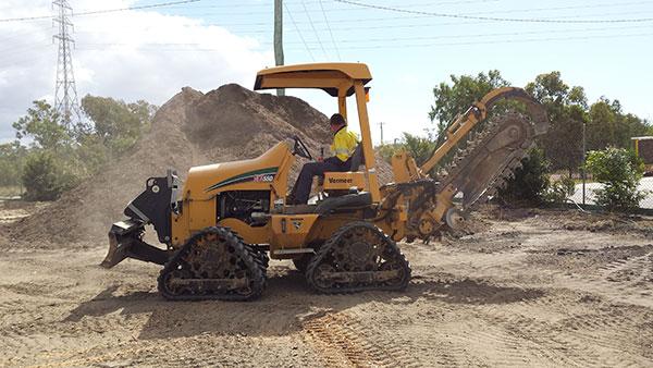 professional-excavations-excavator-hire-cairns