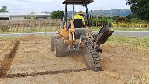 professional-excavations-excavator-hire-cairns