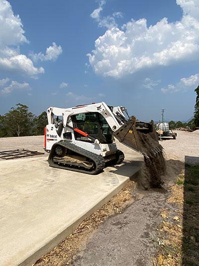 stanley-river-earthmoving-tipper-truck-hire-noosa