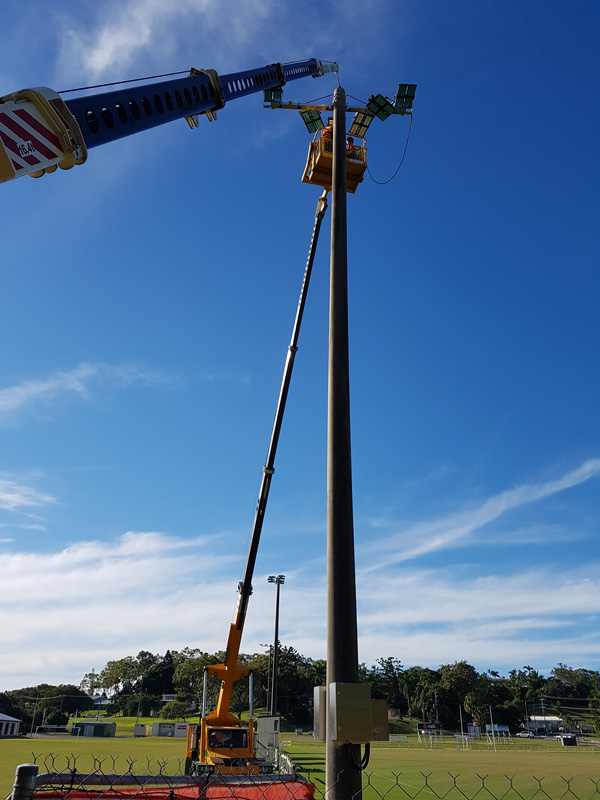 franna crane lifting lighting fixture