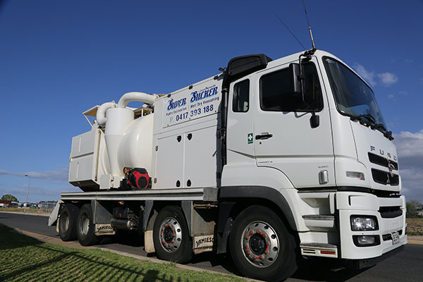 Super Suction SA 10 000 L sucker truck hire Adelaide