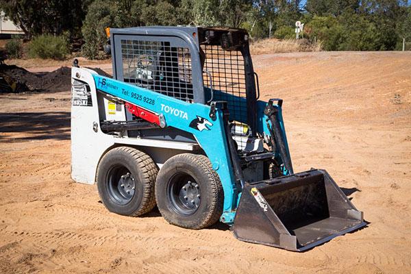 Sweeney Hire 5SDK5 Toyota Huski 1.8 tonne Skid Steer for Hire