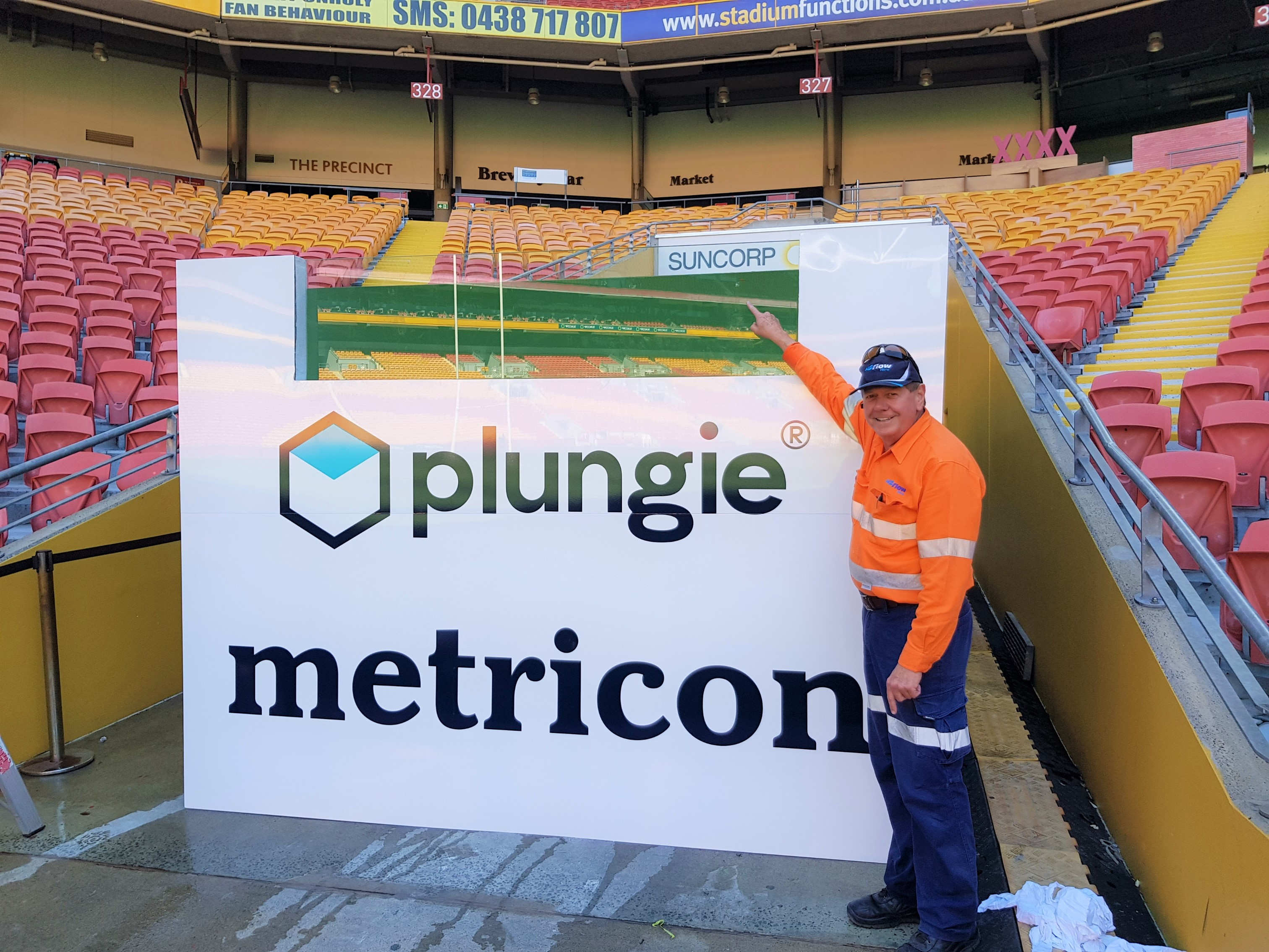 H2flow Hire driver after completing a plunge pool fill at Suncorp Stadium.